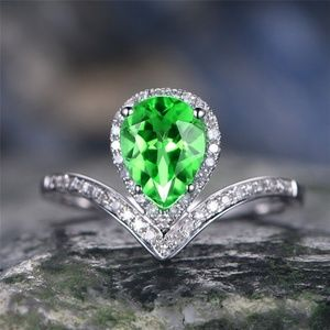 925 Silver Pear Cut Emerald Ring Size 10 New